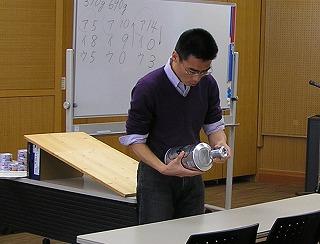 2012_0218半熟 仮説 缶ビール